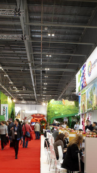 Stands at Excel London lit by innovative high-bay lighting of Philips
