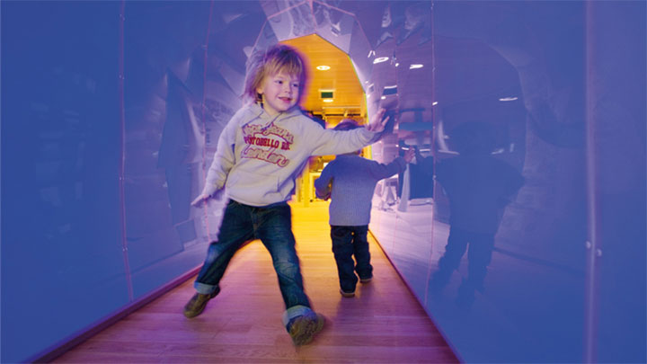 LED experience tunnel by Philips Lighting at Ronald McDonald VU hospital, Amsterdam