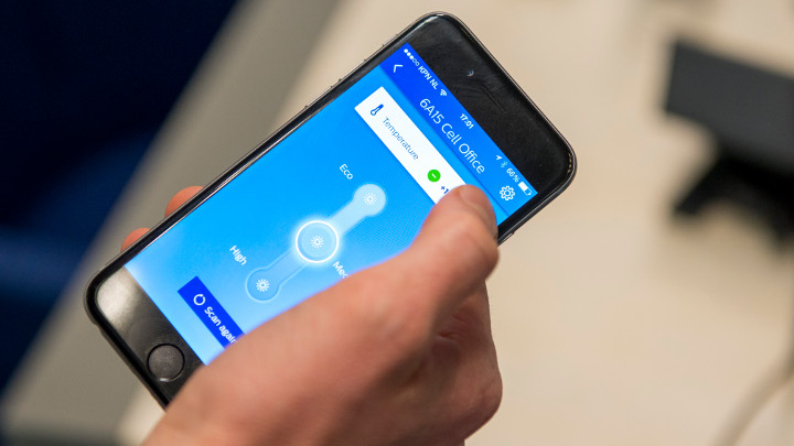 Philips Lighting's Connected Lighting ( InterAct Office) enables smartphone wayfinding and personalized workspace settings